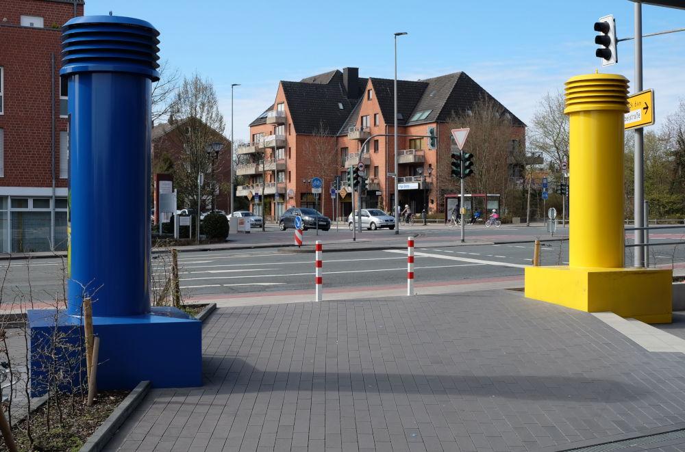 Lüftungsrohre wie Seezeichen (24.3.2019; Foto: Klare)