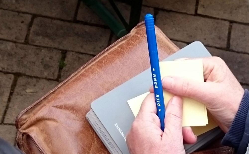 Stift und Papier als Werkzeuge zum Nachdenken und Handeln (11.5.2019; Foto: Klare)