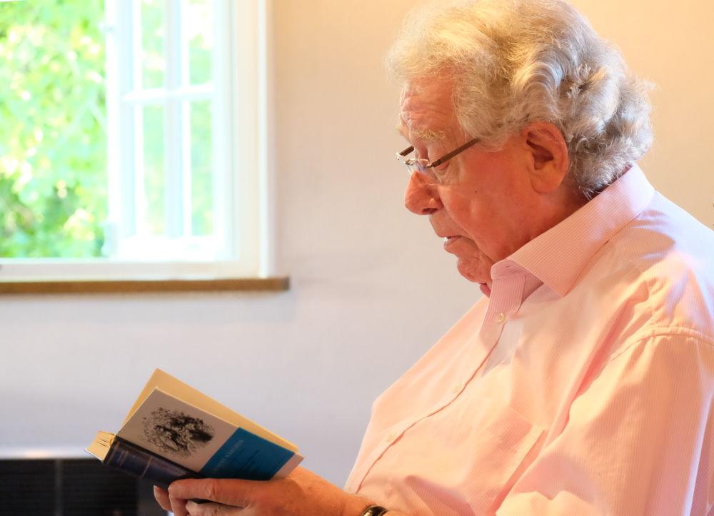 Günter Rohkämper-Hegel liest den Klassiker: Der Wolf und die sieben jungen Geißlein (28.6.2019; Foto: Klare)