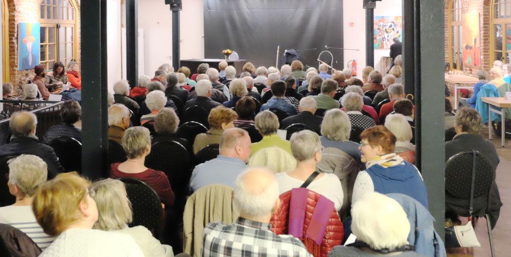 120 Besucher im Kulturbahnhof (4.10.2019; Foto: Klare)