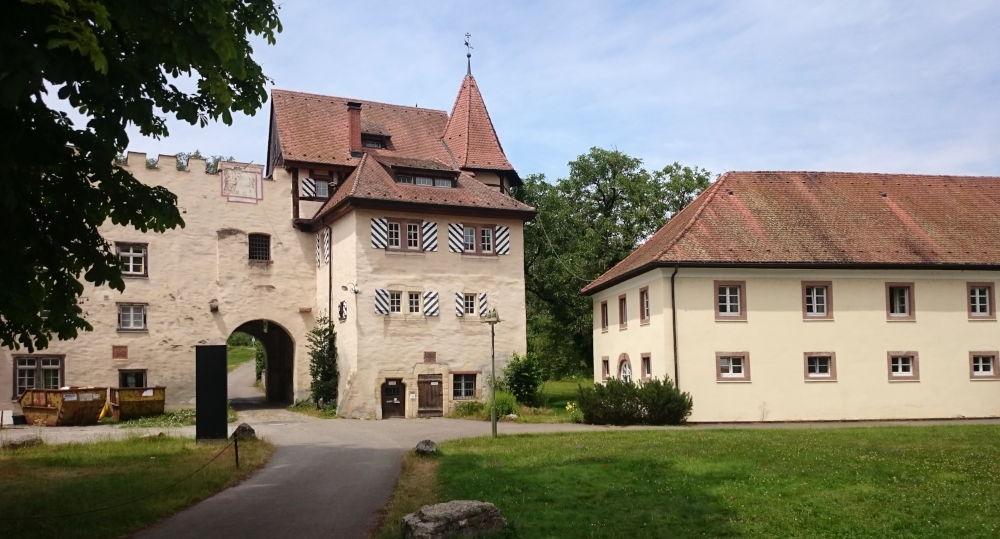 Torhaus und Gästehaus (Schloss Beuggen, 6.7.2019; Foto: Klare)