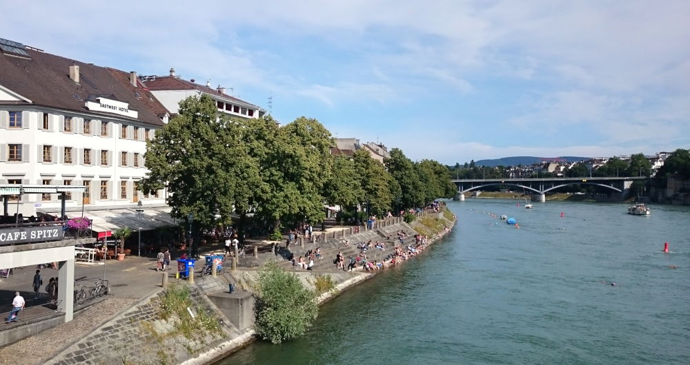 Rheinuferpromenade Basel (6.7.2019; Foto: Klare)
