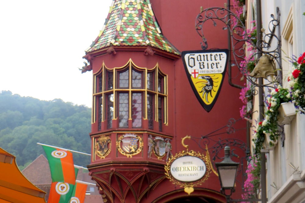 Historisches Kaufhaus und Oberkirch (Freiburg, 8.7.2019; Foto: Meyerbröker)