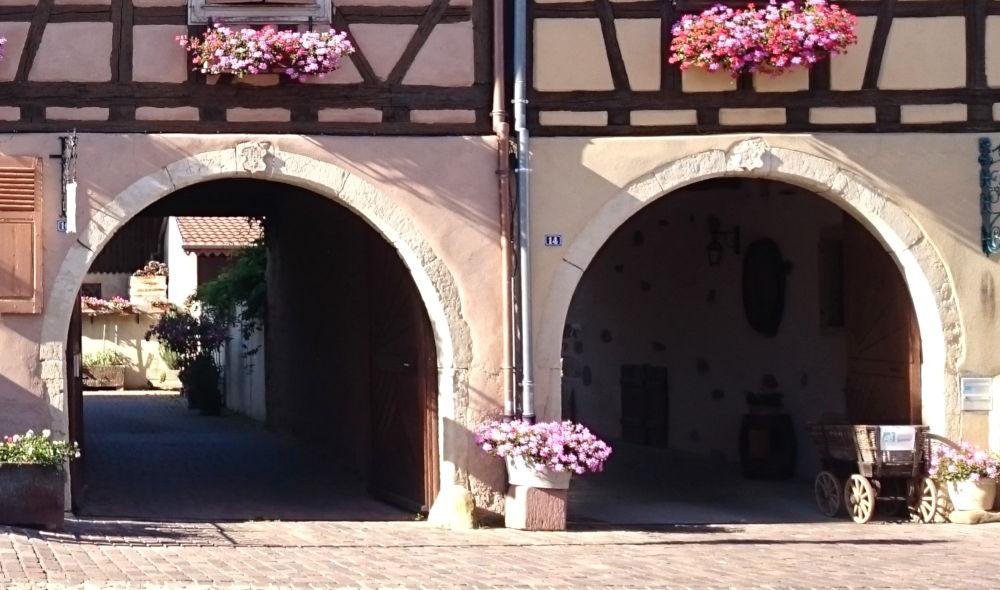 Eguisheim, Grand Rue (9.7.2019; Foto: Klare)