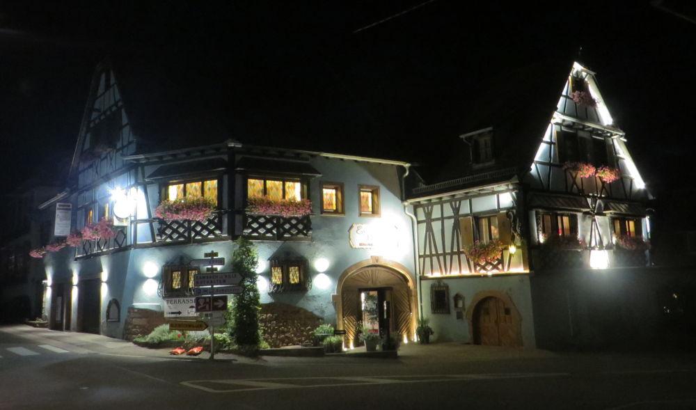 Hotel Emmebuckel am Abend (10.7.2019; Foto: Meyerbröker)