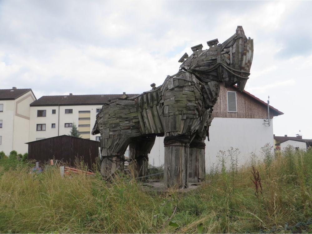 Troja in der Pfalz (13.7.2019; Foto: Meyerbröker)