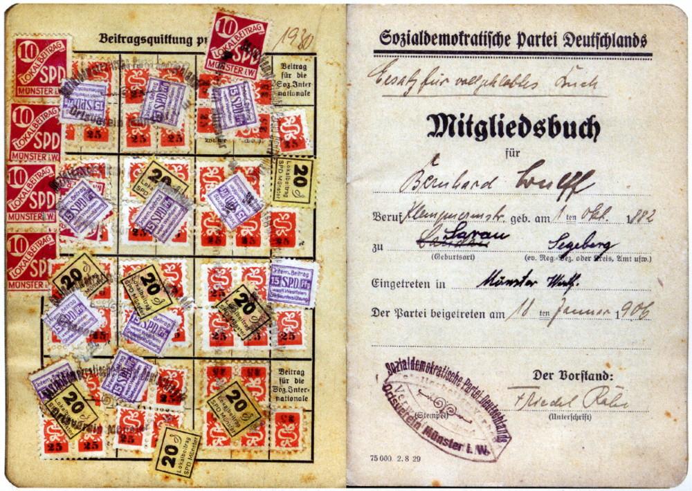 """Mitgliedsbuch der SPD Münster von 1906: """"Eingetreten in Münster 18.1.1906"""" (Bernhard Wulff)"""