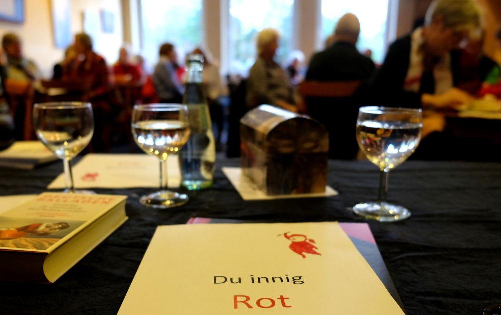 """""""Rote"""" Texte aus Jahrhunderten (Café Klostermann, 28.1.2020; Foto: Klare)"""