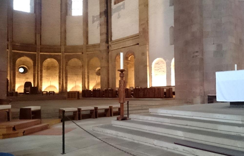 Speyerer Dom: Kathedra, Chor und Hauptaltar (14.7.2019; Foto: Klare)