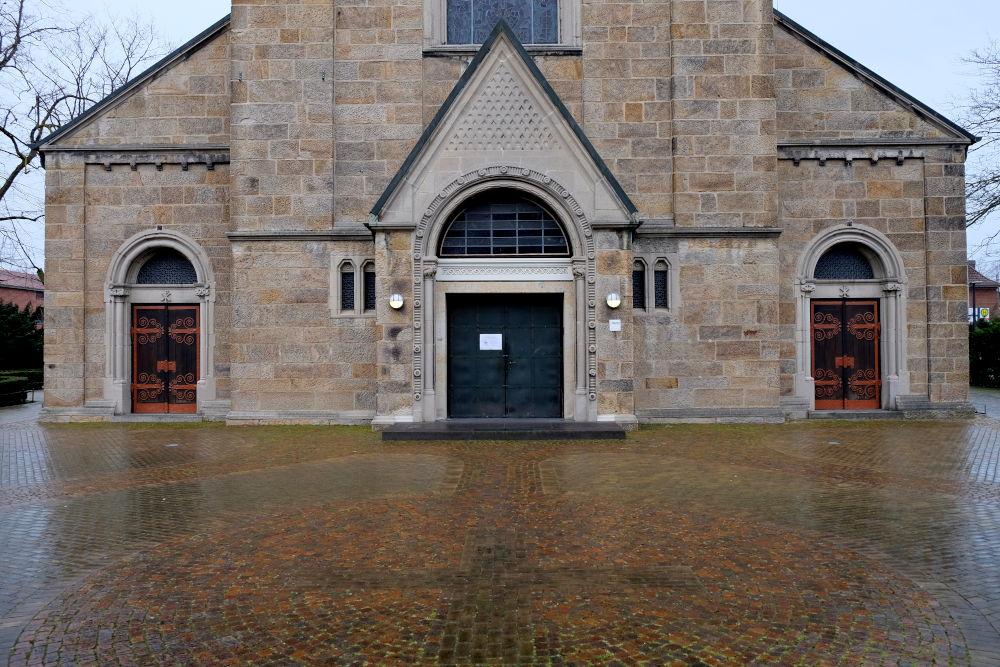St. Clemens: Lichter im Grau (20.3.2020; Foto: Klare)