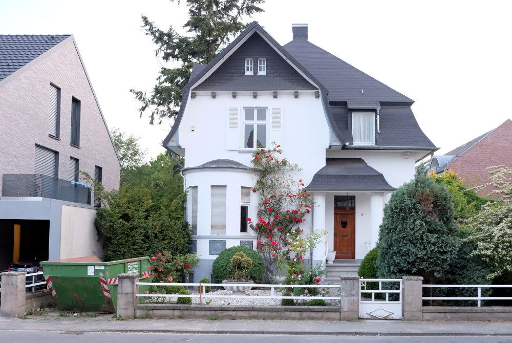 Am Klosterwald 4 ist verkauft und wird renoviert (3.6.2020; Foto: Klare)
