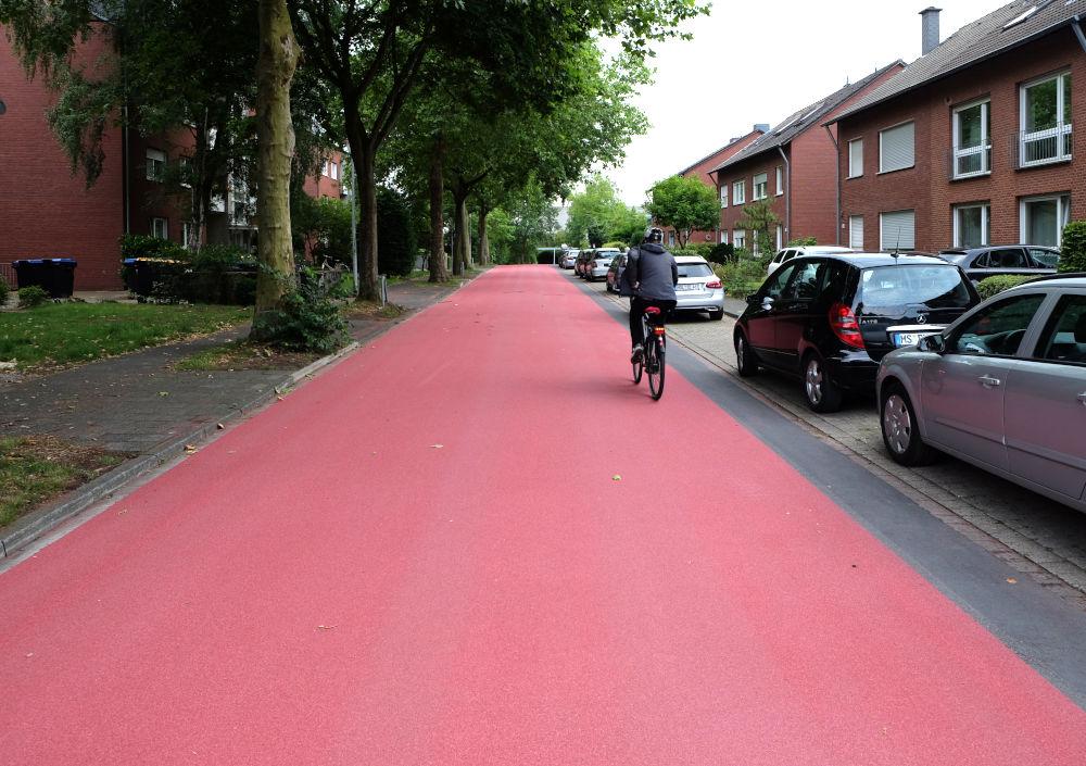 Roter Schulweg Am Klosterwald (2.7.2020; Foto: Klare)