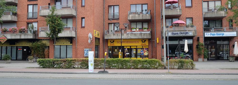 Marktallee 83: Spielhalle, Post, Gastronomie (11.8.2020; Foto: Klare)