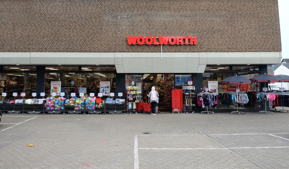 Marktallee 64: Im Sommer 2020 hat Woolworth eröffnet (11.8.2020; Foto: Klare)
