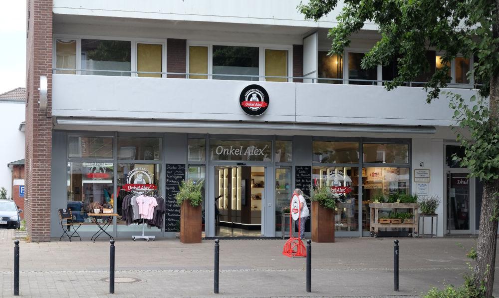 """Marktallee 41: """"Onkel Alex"""" (11.8.2020; Foto: Klare)"""