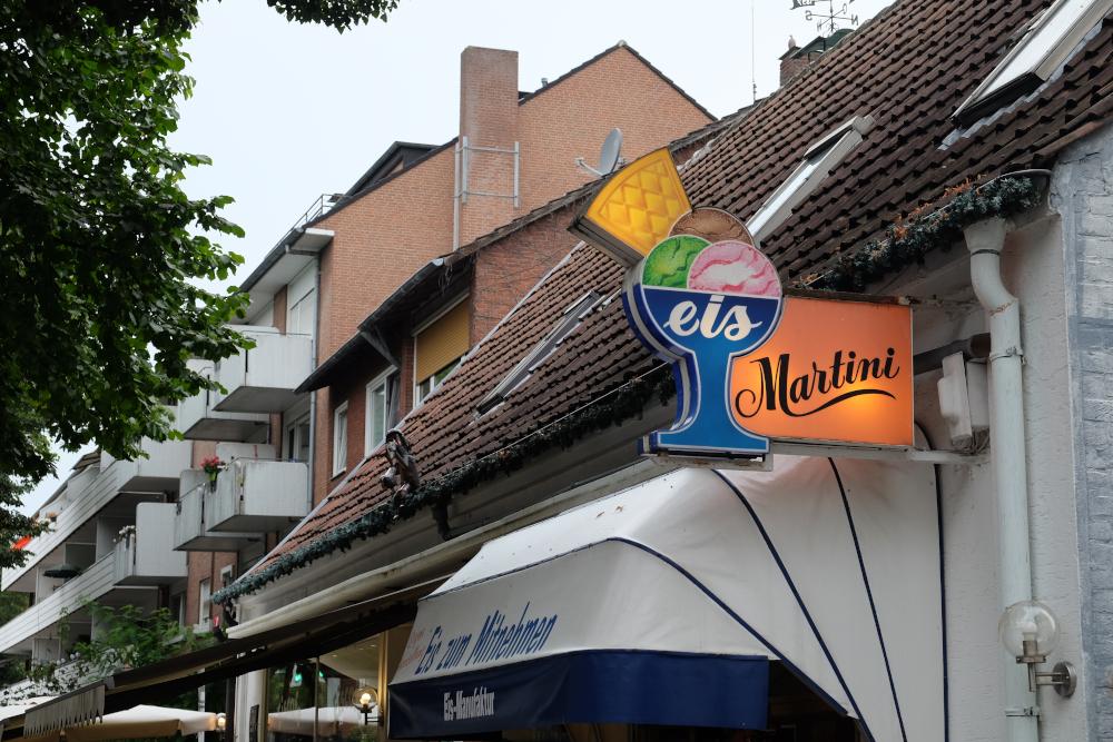 Marktallee 31: eis Martini, eine Institution (11.8.2020; Foto: Klare)