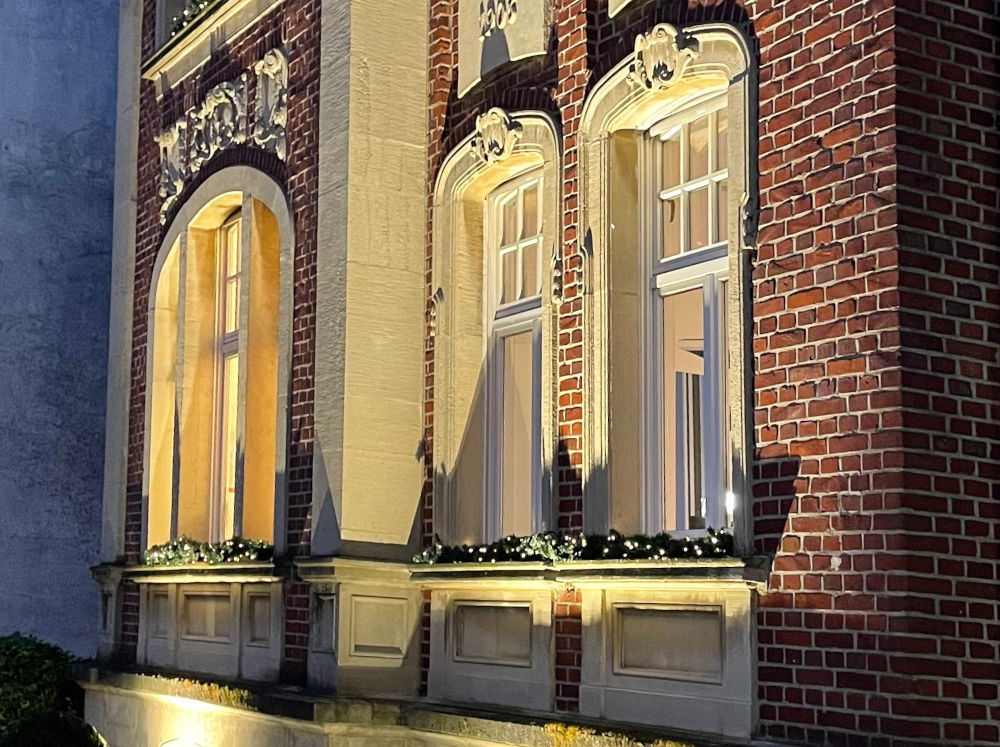 Jugendstil, in Szene gesetzt: Marktallee 54/56 (21.1.2021; Foto: Henning Klare)