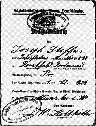 Das SPD-Parteibuch des späteren Ehrenvorsitzenden der SPD Hiltrup Josef Stoffers (eingetreten am 1.12.1924 in Münster). Allein das Aufbewahren dieses Parteibuches in der Nazizeit von 1933 bis 1945 war für den Inhaber lebensgefährlich.