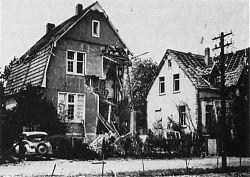 Hiltrup, Klosterstraße 10 und 12 (heute: Am Klosterwald) nach einem Luftangriff 1944