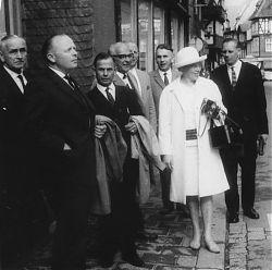 Gemeinderat Hiltrup am 7.9.1964 auf Stadtbesichtigung in Goslar: v.l. NN, Hermann Becker, Wilhelm Pfeifer, Theo Harbaum, Franz Lübcke, Heinrich Schütte, Marga Niedenführ (SPD), Karl Schorlemer (SPD)