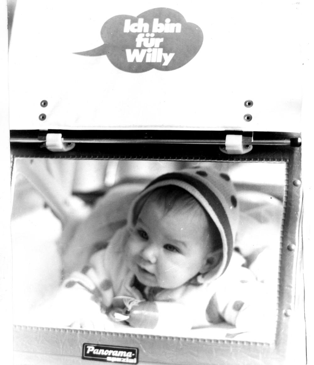 """""""Ich bin für Willy"""": Wahlwerbung 1972 auch auf dem Kinderwagen"""