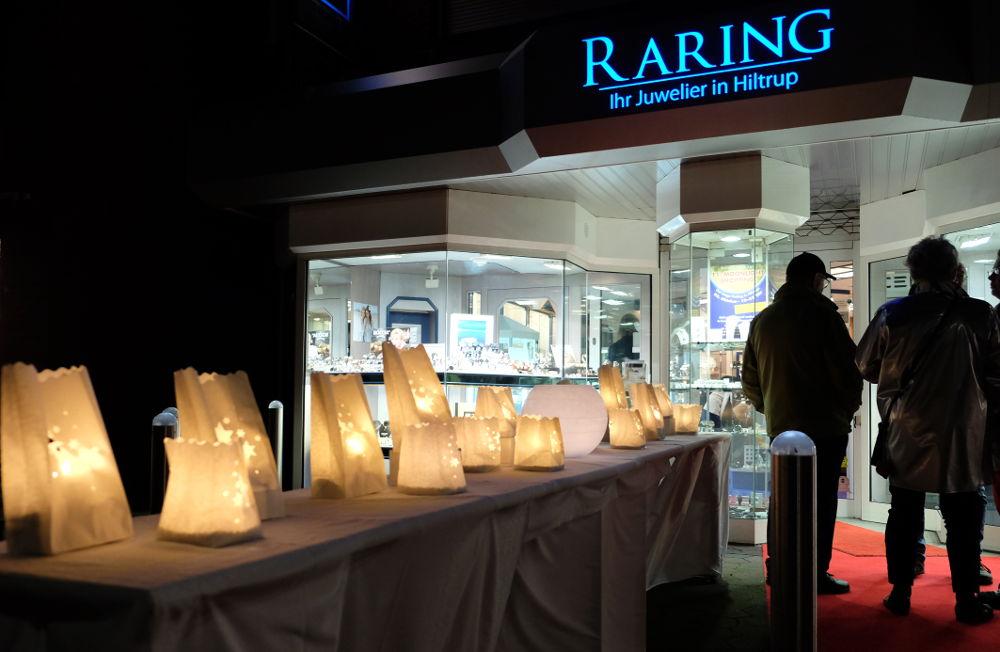 Licht in Tüten gab es bei Raring (Foto: Klare)