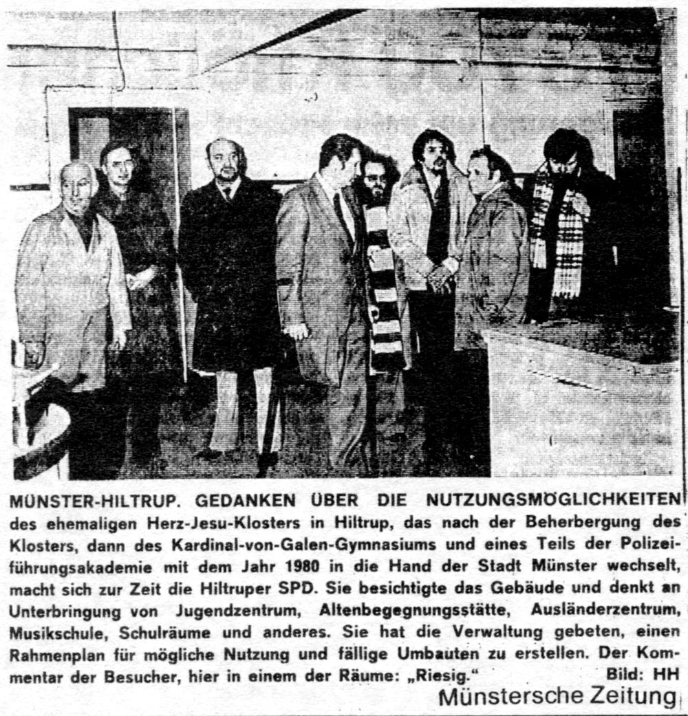 Die SPD besichtigt im März 1978 das alte Hiltruper Paterkloster, um sich ein Bild von den Nutzungsmöglichkeiten zu machen (v.l.: NN, Dr. Dietrich Thränhardt, Theodor Dopheide, NN, Rainer Bannert, Karl-Heinz Winter, Hans-Jörg Weiße, Dr. Michael Crone)
