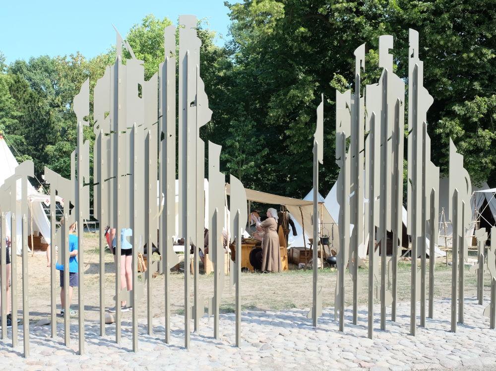 Moderne Kunst und Mittelalter (8.7.2018; Foto: Klare)