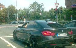"BMW mit ""Sportauspuff"" (14.7.2018; Foto: Klare)"