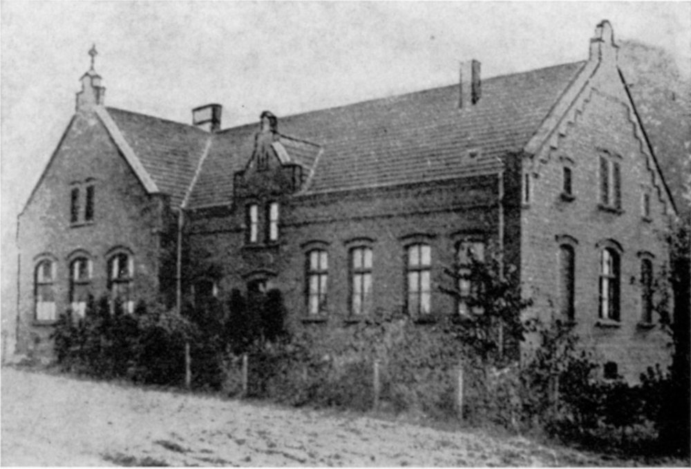 Knabenschule an der Clemensstraße (heute: Patronatsstraße), erbaut 1904