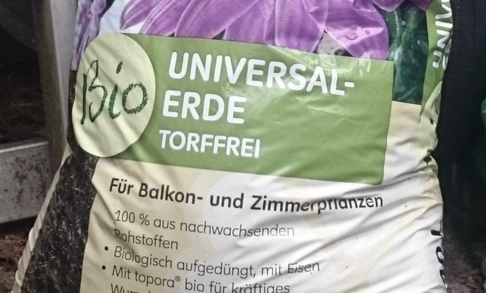 """Torffreie """"Blumenerde"""" aus dem Garten-Großmarkt (21.8.2018; Foto: Klare)"""