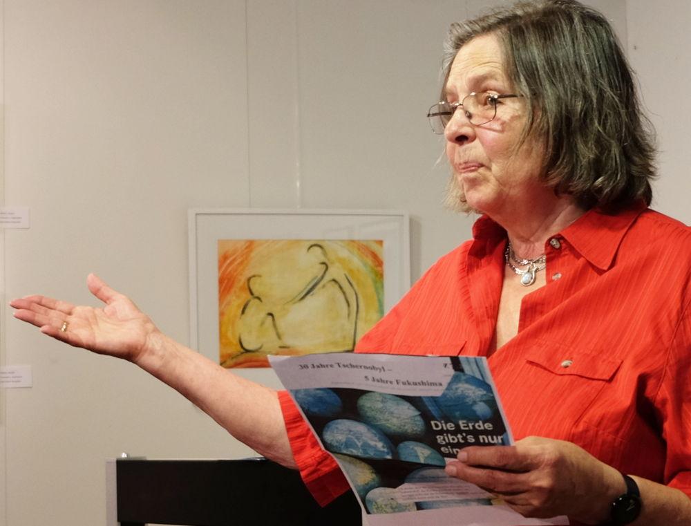 Gerda Hegel in Aktion: Eröffnung einer Lesung im Hiltruper Museum (7.7.2017; Foto: Klare)