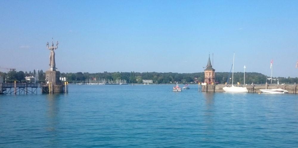 Konstanz: Hafeneinfahrt (24.7.2018; Foto: Meyerbröker)